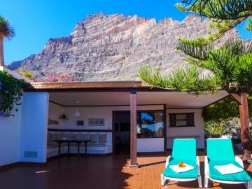 Sonnen- und Schattenterrasse im Bungalow Casa Elfi im Valle Gran Rey