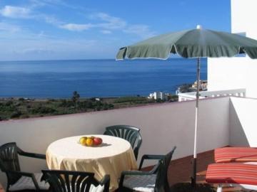 Obere Apartments mit Terrasse – Apartamentos Rivas