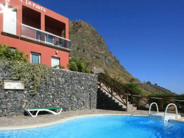 Hermigua Hotels
