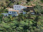 Überall findet man viel grün und vereinzelte Häuser