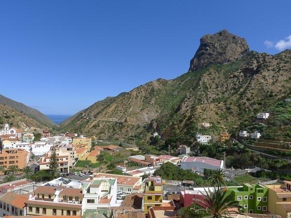 Buntes Dorf im Grünen Norden von La Gomera