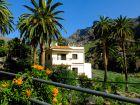 Inmitten vieler Palmen gelegen Casa del la Seda